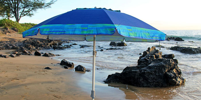 beach umbrella maintenance and safety tips