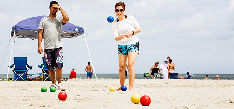popular beach games for kids and adults