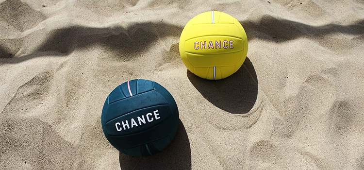 volleyball buying guide for beach