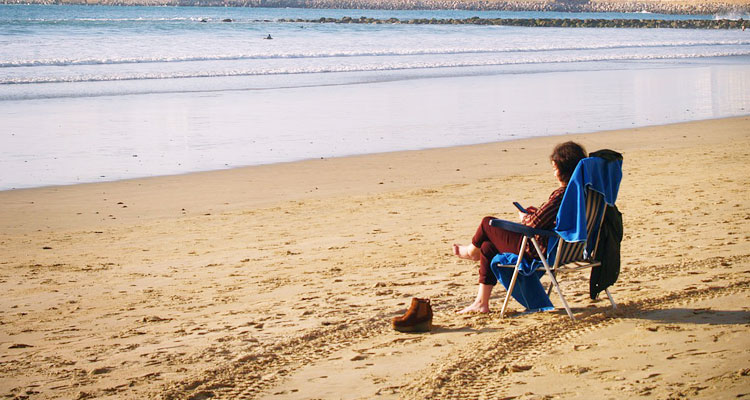 what to do at the beach alone